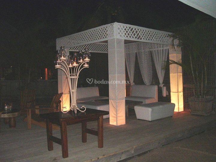 Salas lounge con carpa