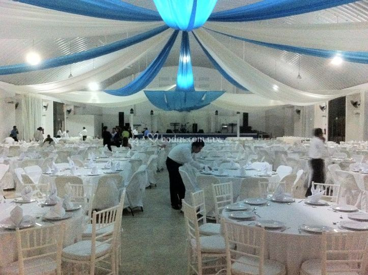 Alx catering y eventos for Telas para decorar salones