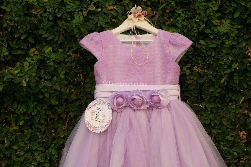 Lindo vestido color lila