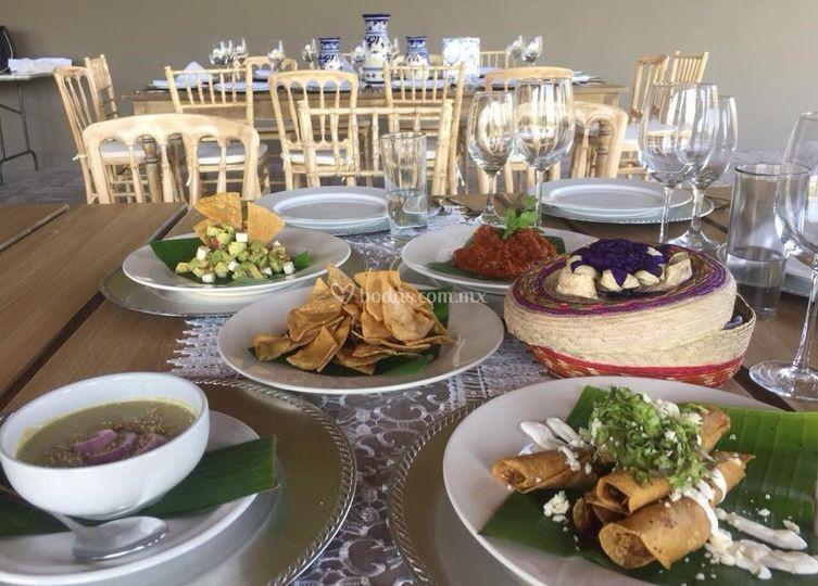 Platillos de buffet mexicano