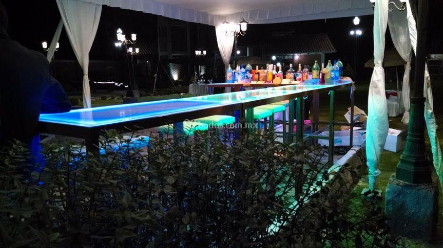 Barra de bebidas iluminadas