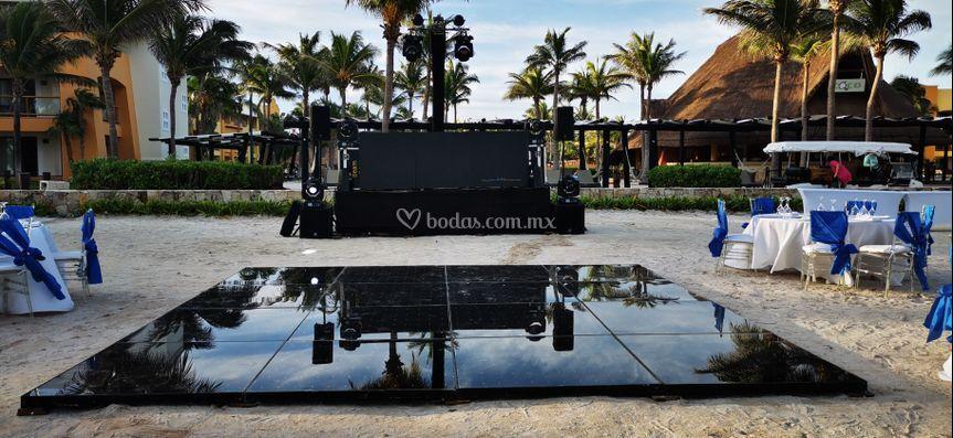 Hotel barcelo DJ&PistaBlack