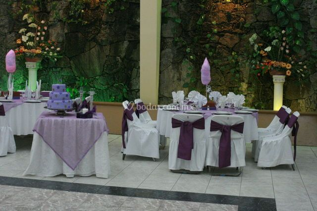 Boda púrpura