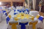 Amarillo y azul en las mesas de Arnay