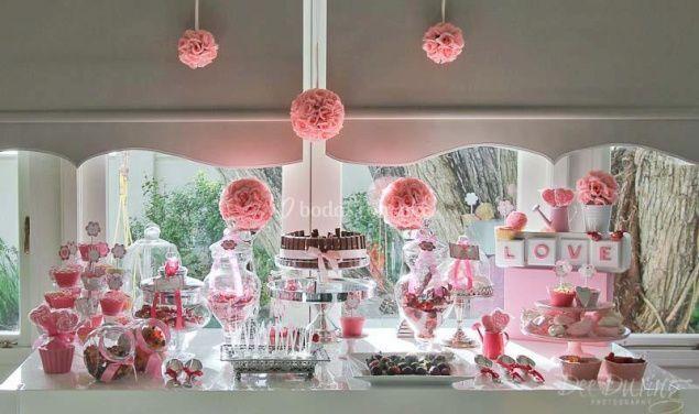 Mesa de postres y de dulces