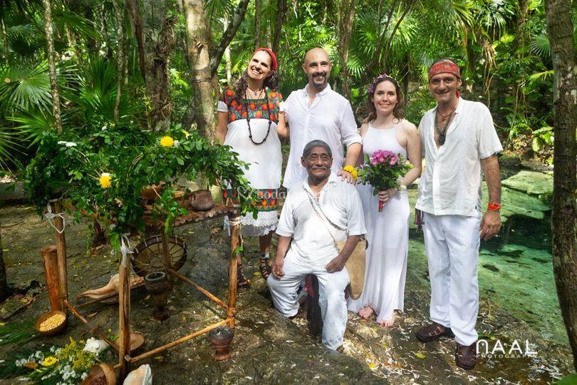 Boda maya en cenote