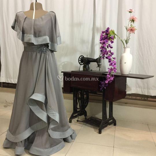 James Wade Haute Couture | 540 x 540 jpeg 40kB