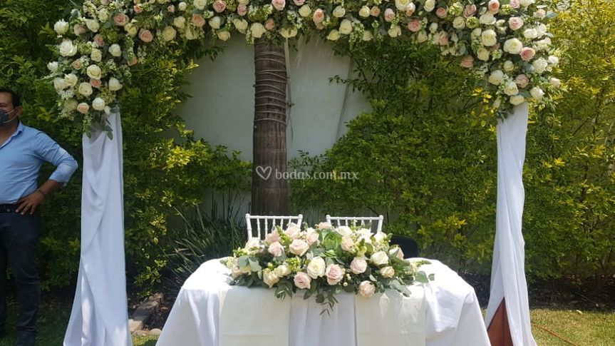 Back floral para boda civil