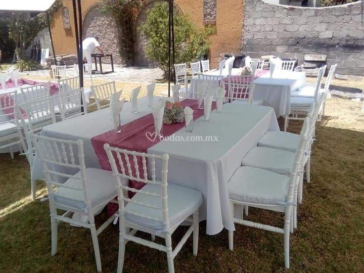 Mobiliario para el banquete