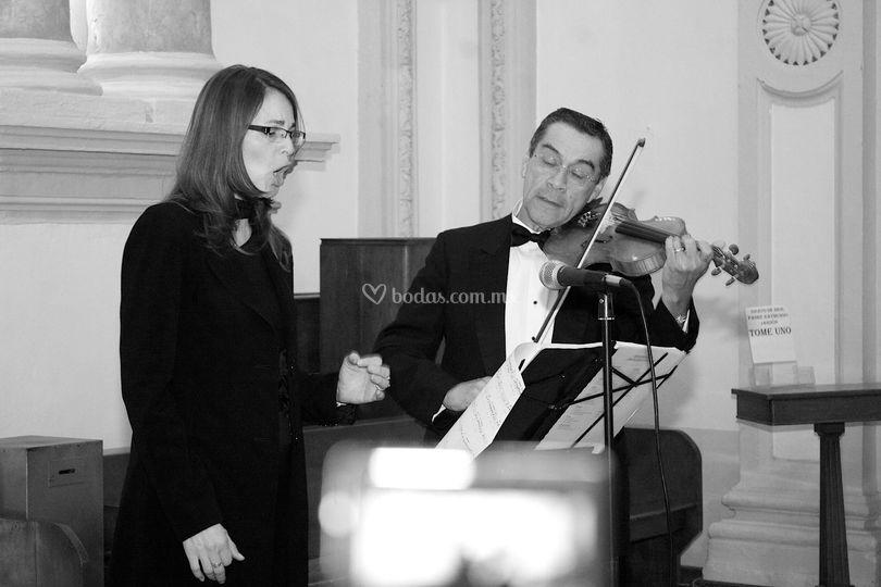 Ensamble de soprano, violín