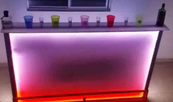 Mezza Shots & Bar