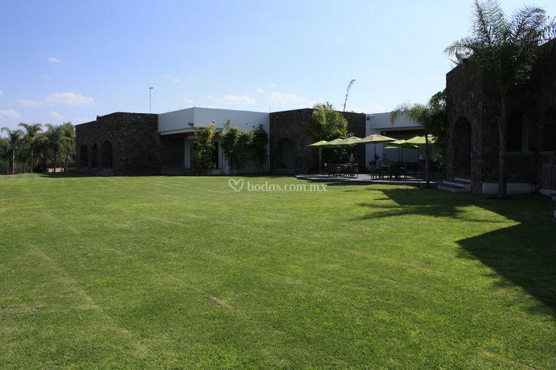 Jardín con Terraza