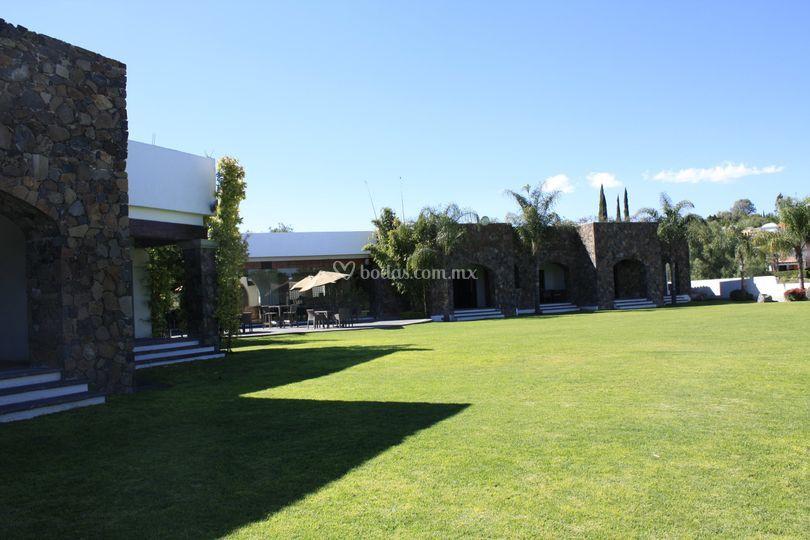 Suites con vista al Jardín