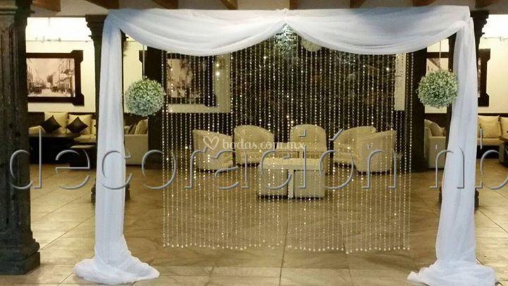 Cortina de mesa de novios de decoraci n nb foto 1 - Cristales de colores para mesas ...