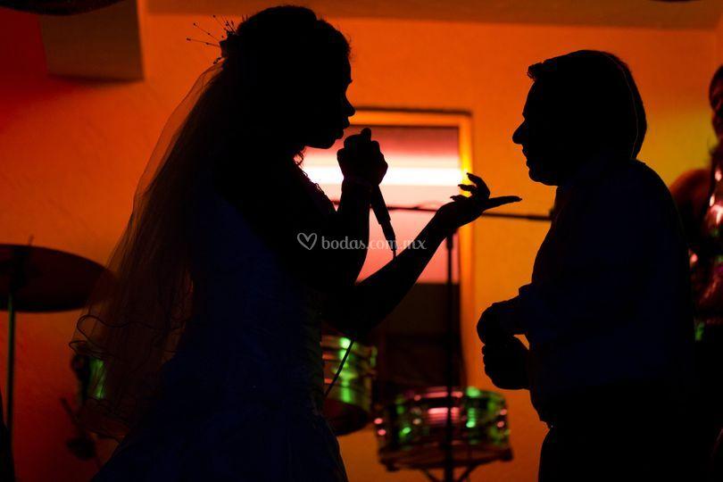 Cantando al novio