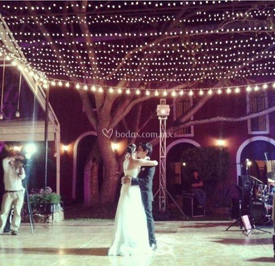 Detalles en el primer baile