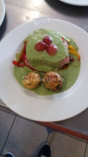 Atún en salsa de cilantro