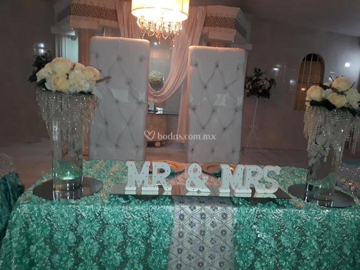 La hermosa mesa de honor
