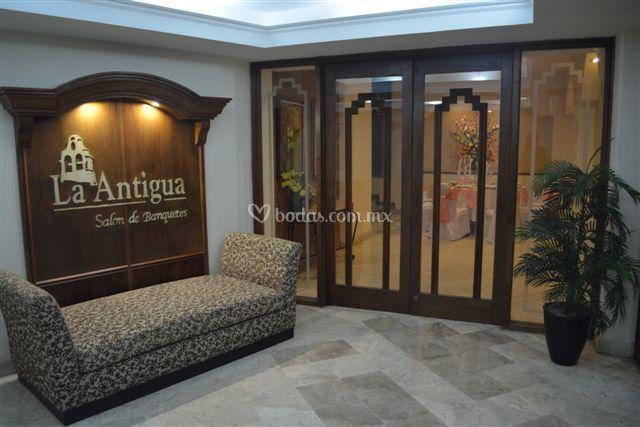 Lobby salán La Antigua
