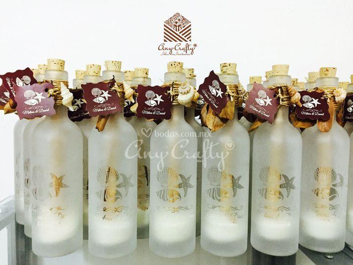 Botellas grabadas Meli y Dani