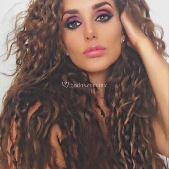 Maquillaje con color