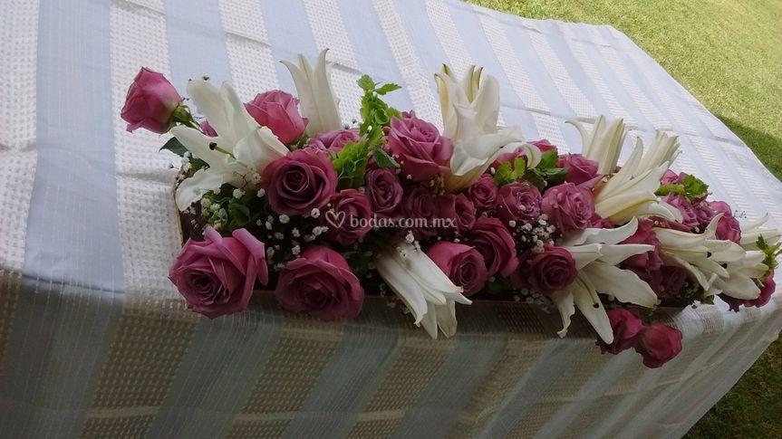 Mesa Principal De Arreglos Florales Yuyo Foto 1