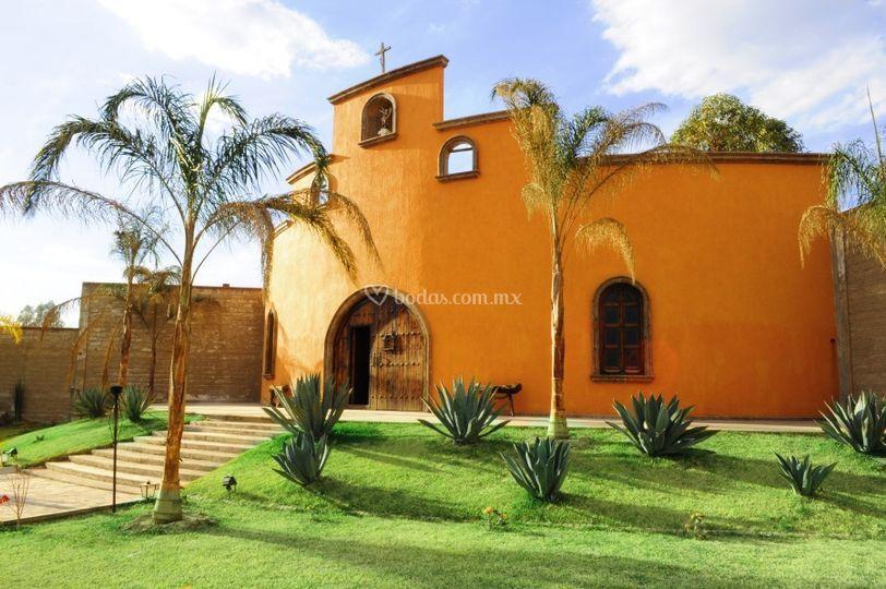 Capilla San Miguel Arcangel de Hacienda la Sevillana