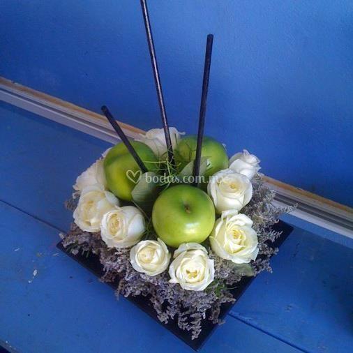 Arreglo con manzanas