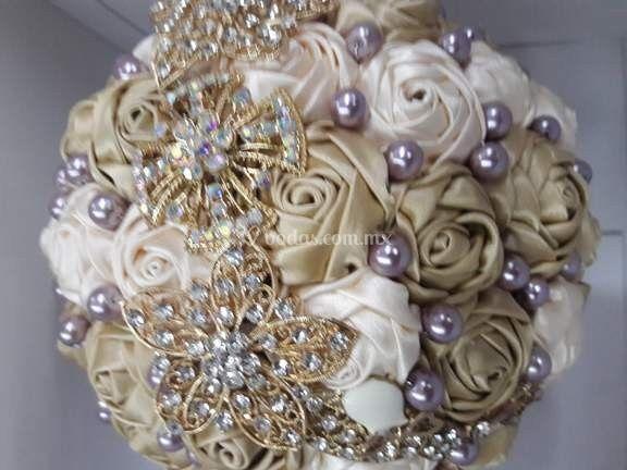 Bouquet con joyería
