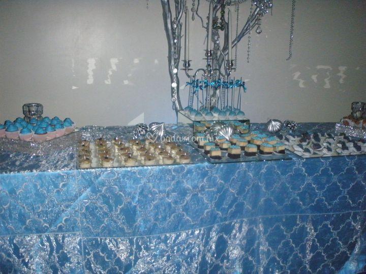 Mesa en Azul turqueza