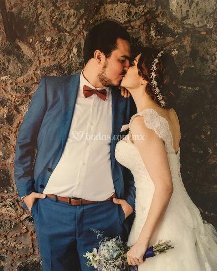 Montse & Oliver el beso del amor