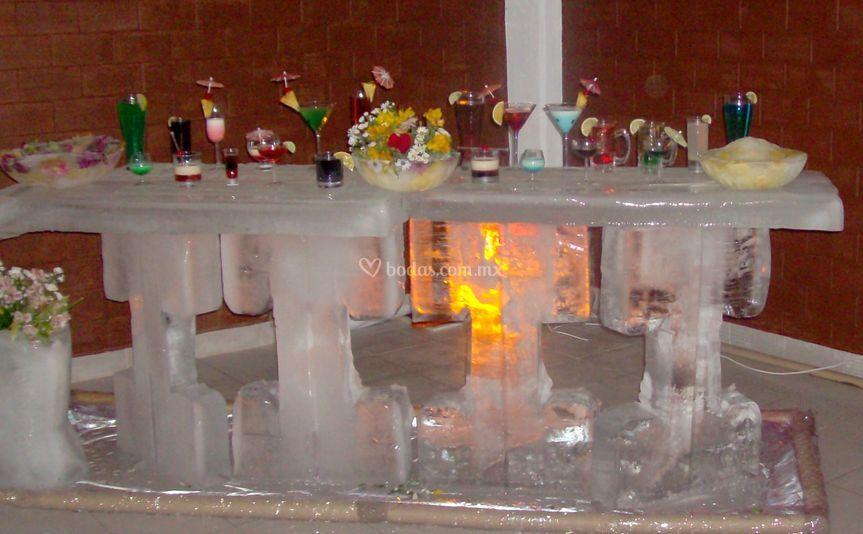 Coctelería en barra de hielo