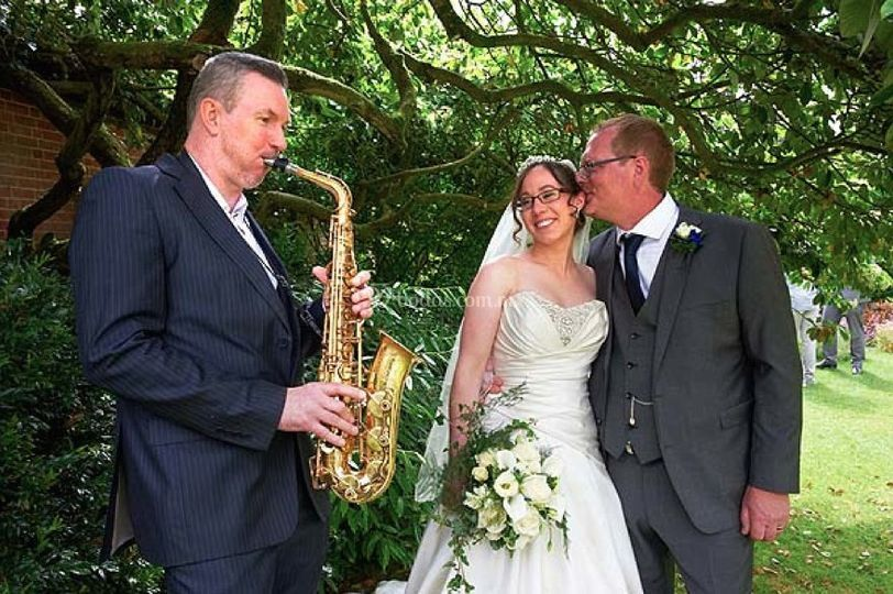 Saxofón a la hora de recepción