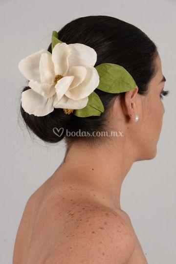 Tocado de Magnolia de seda