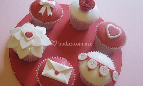 Cupcakes con motivos románticos