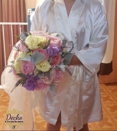 Bouquet de novia platino