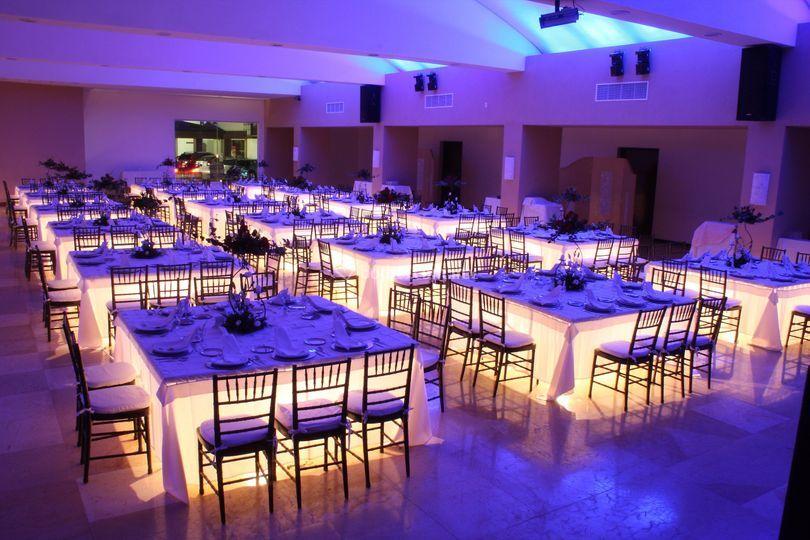 Mesas iluminadas de posada se orial fotos - Mesas para el salon ...