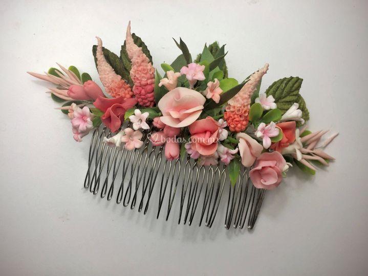 Peineta botánica rosa