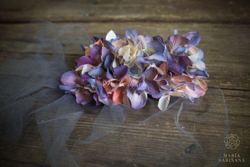 Cofia de hortensias de seda
