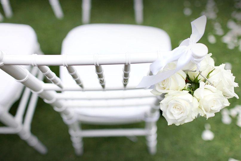 Silla con detalle floral