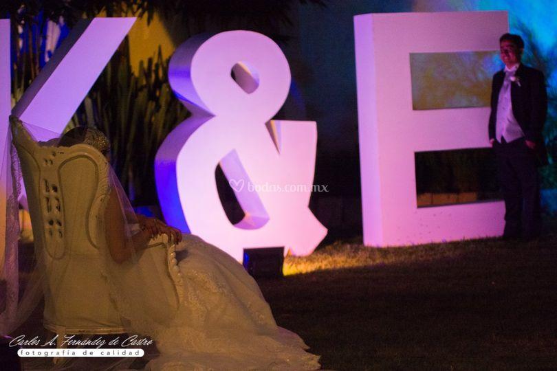 Letras gigantes jardín