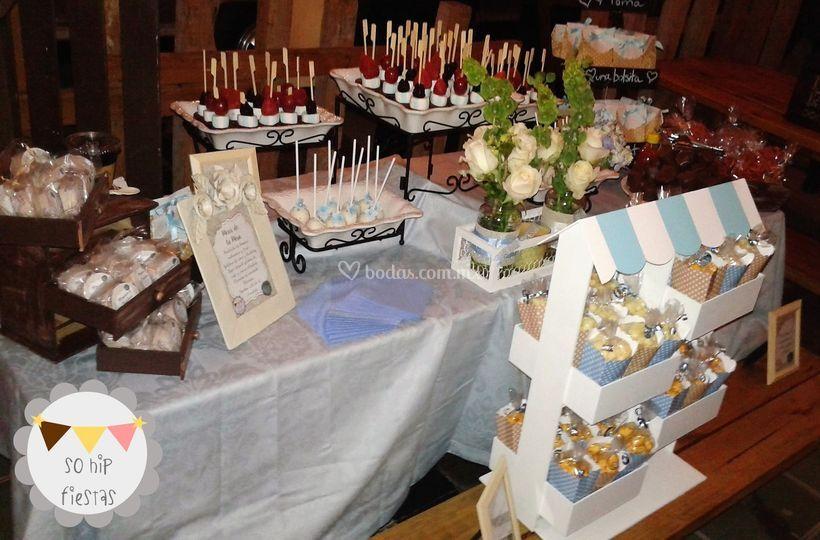 So hip fiestas for Mesas de dulces para bodas precios