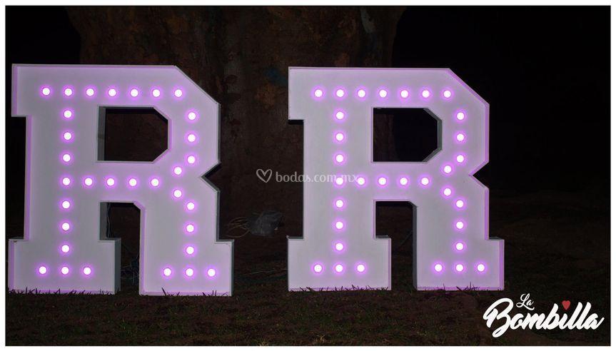 Renta de letras gigantes