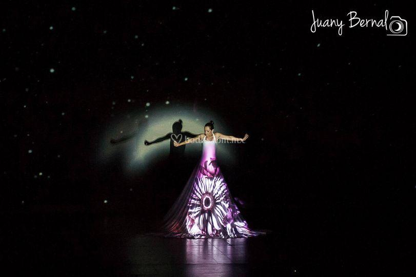Performance en vestido de novia