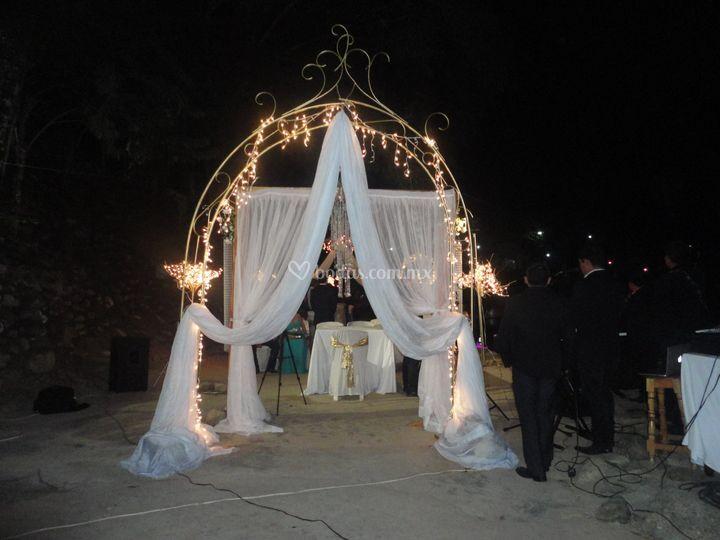 Montaje nocturno de boda
