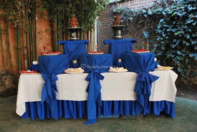 Montajes de mesas de banquetes moreno fotos for Fotos de mesas de bodas