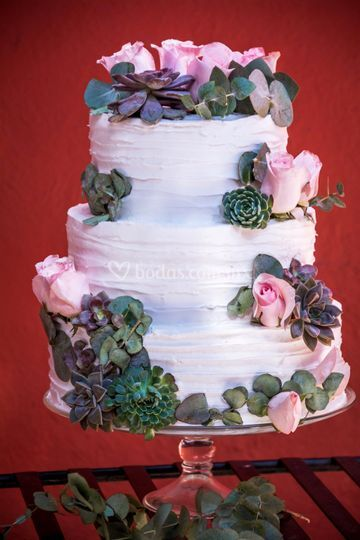 Pastel drapeado soho cake