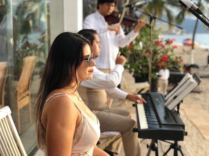 Trío: soprano - piano - violín