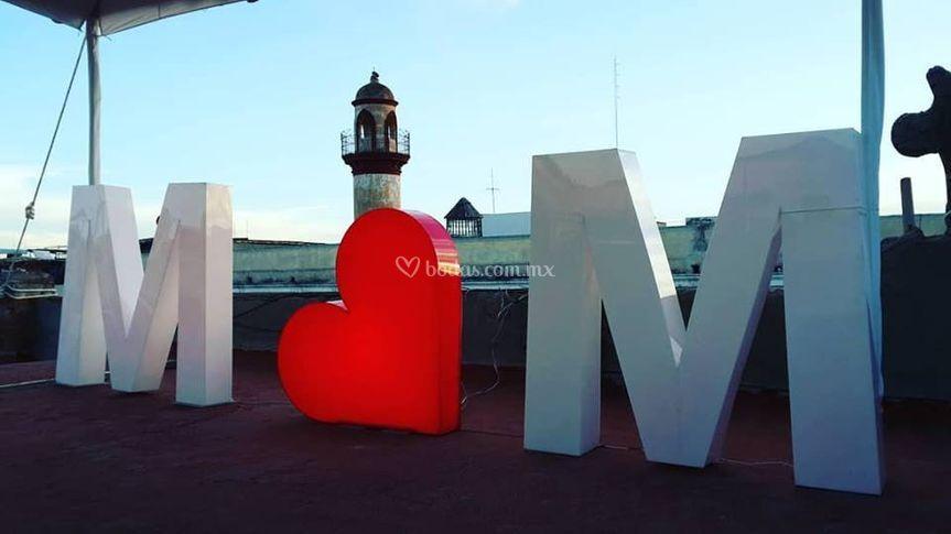 M M y corazón