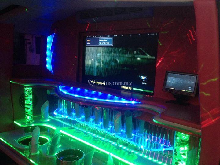 Interior hummer h2